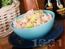Рецепта Лесна салата с айсберг, риба тон, авокадо, репички и дресинг